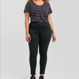 Levi Pull-On Skinny Jeans Black 18 S
